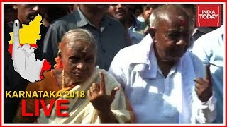 Karnataka Polls Live | Political Leaders React After Casting Their Votes