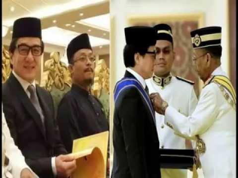 Jackie chan converted to islam , Jackie Chan Masuk Islam ...