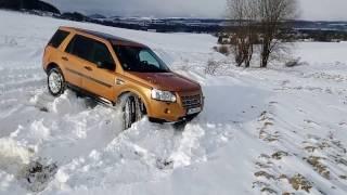 Land Rover - Freelander 2 vs snow...