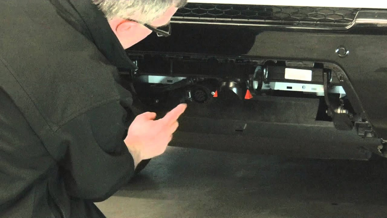 Range Rover Sport Westfalia detachable towbar. - YouTube