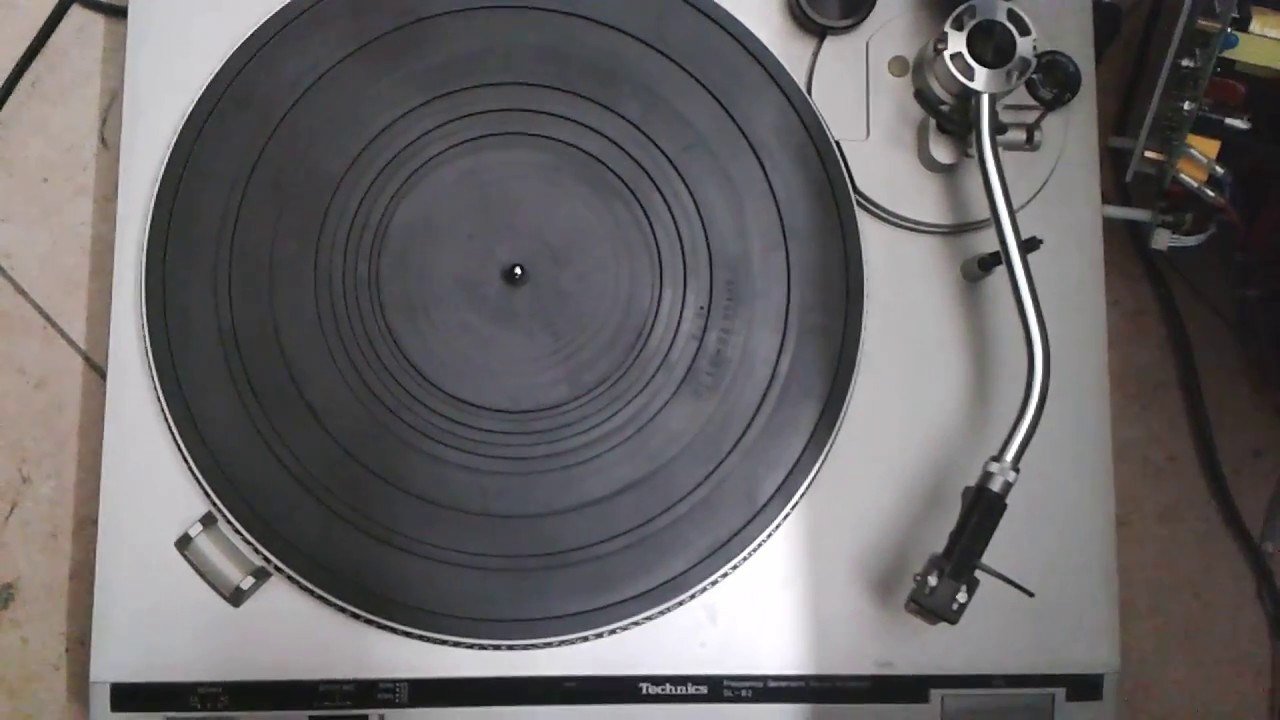 rempla ement courroie platine vinyle technics sl b2 youtube. Black Bedroom Furniture Sets. Home Design Ideas