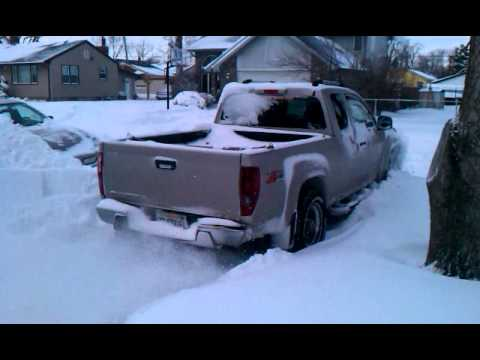 2005 chevy colorado z71 4x4 2011 chicago snow storm youtube. Black Bedroom Furniture Sets. Home Design Ideas