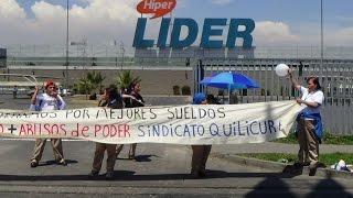 Trabajadores  en huelga se toman supermercado lider Quilicura   11de dic 2014