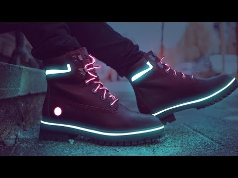 Neon Glowing Shoes Photo Effect Photoshop Tutorial