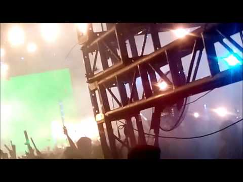 TRIBUTE Martin Garrix's FIRST ever set in the capital of Vietnam ❤