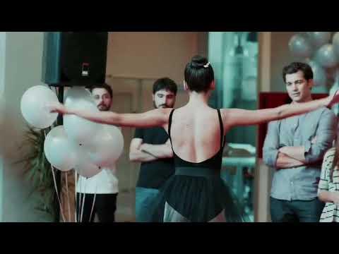 Aybüke Pusat dans 😍