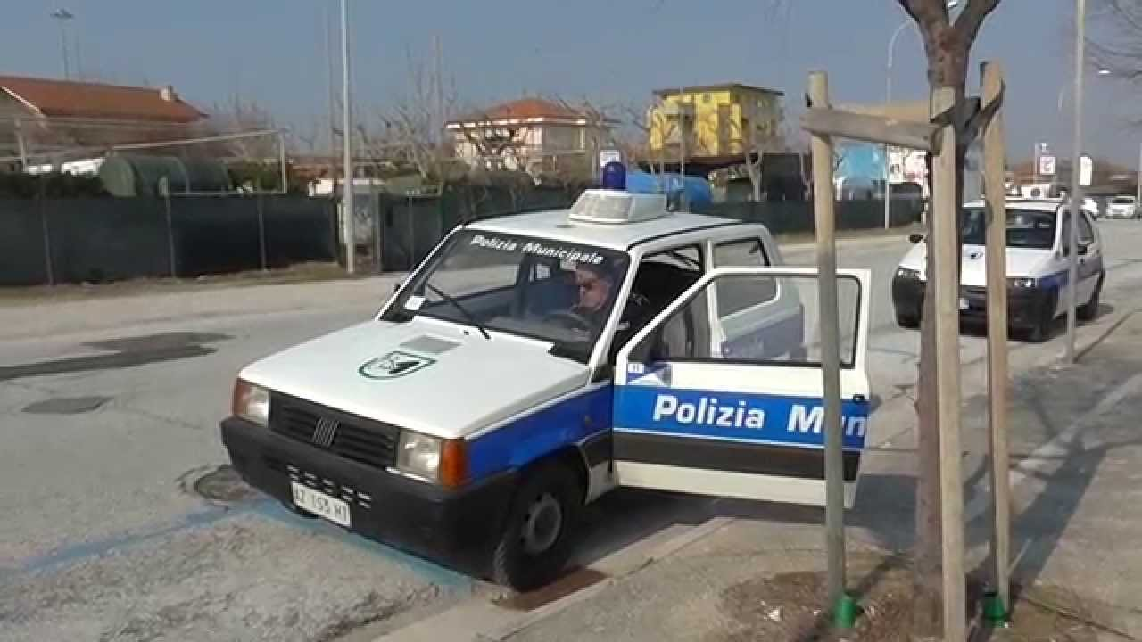 Test sirens lights polizia municipale italian for Prova dello specchio polizia youtube