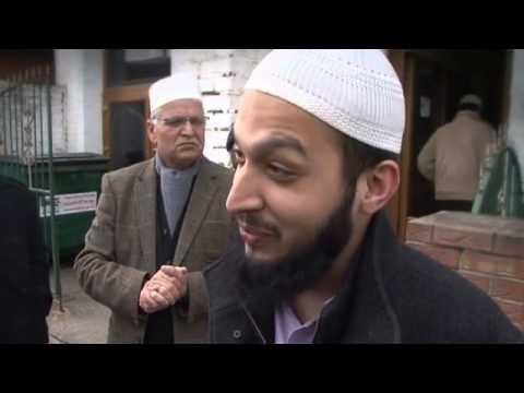 Birmingham Terror Trial: Community Reaction | Central - ITV News - Ameer-e-Millat Mosque