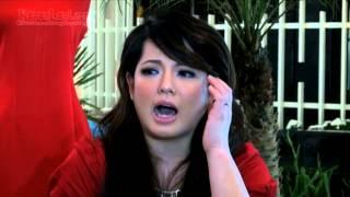 Download Video Bulan Madu ke Eropa, Magdalena Bawa Bekal Abon MP3 3GP MP4