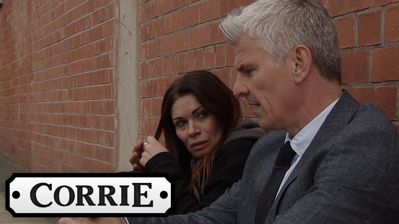 Robert Finds an Unstable Carla   Coronation Street