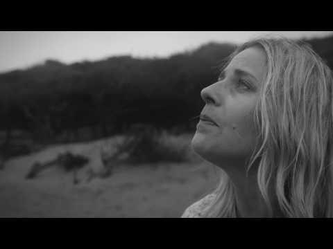 Hannah Nicholson first release - Oliver - Final HQ