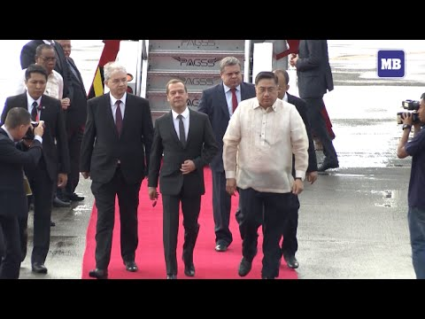 Russia Prime Minister Medvedev arrives in Manila for APEC 2015
