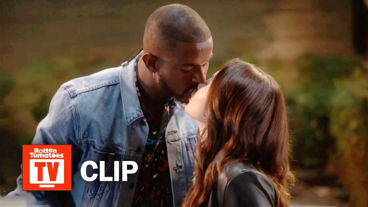 Download grown-ish S02E05 Clip | 'Aaron & Ana's First Kiss' | Rotten Tomatoes TV