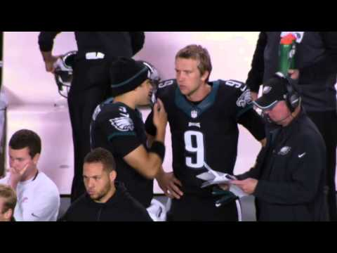 Mark Sanchez Recommends Nick Foles try the Chicken Tenders
