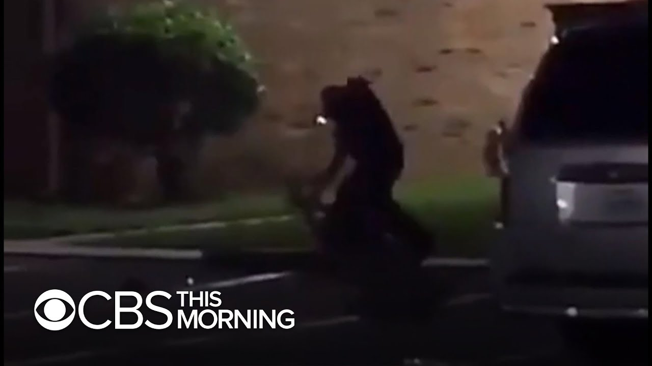 Video shows deadly police shooting of Texas woman who claimed she was pregnant