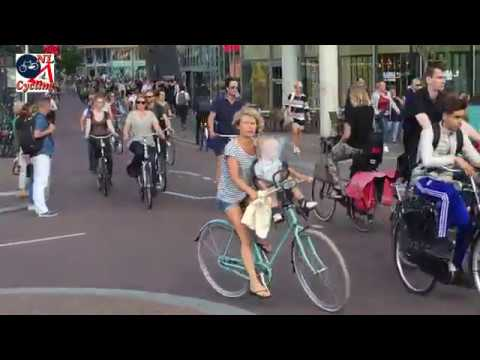 Vredenburg, Utrecht. Busiest cycle path in the Netherlands