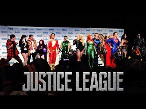 JUSTICE LEAGUE Antics + Cosplay Contest at MEGACON TAMPA! Real Life DC Superhero Movie