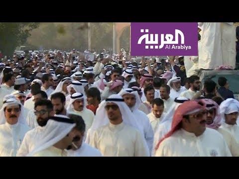 جموع غفيرة في تشييع جثمان فنان الكويت عبد الحسين عبد الرضا  - 20:21-2017 / 8 / 16