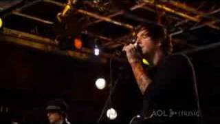Simple Plan Your Love Is A Lie (AOL Sessions)