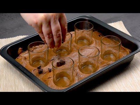 enfoncez-6-verres-dans-la-pâte-et-remplissez-les-avec-Ça