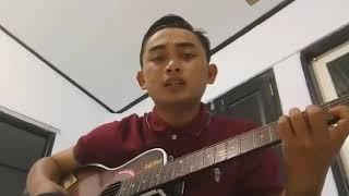 Download lagu Sing biso tanpo riko cover by denis suprayogi MP3