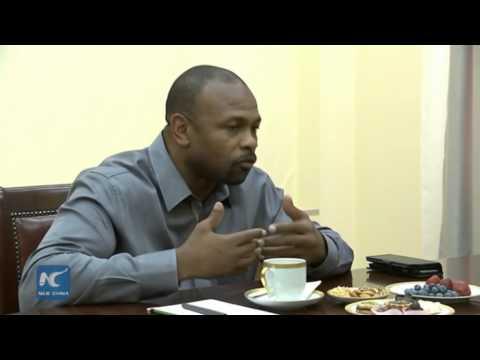 RAW: US boxer Roy Jones Jr. asks Putin for Russian citizenship