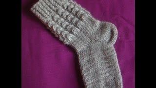 Как связать носки на 2х спицах часть 4 закрываем носок.