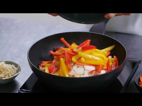tefal---recette-du-wok-de-poulet-aux-petits-légumes-à-la-poêl-wok-avec-ingenio®