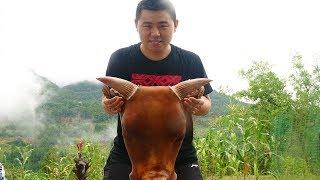 【超小厨】380元47斤大牛头,铁锅炖6个小时,凉拌一下吃的真过瘾!
