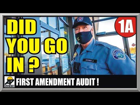 POSTAL EMPLOYEE LOSES HER MIND !! BOULDER COLORADO USPS - First Amendment Audit - Amagansett Press