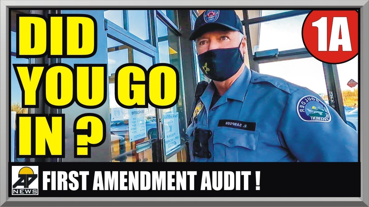 POSTAL EMPLOYEE LOSES HER MIND !! BOULDER COLORADO USPS - First Amendment Audit - Amagansett Press - download from YouTube for free