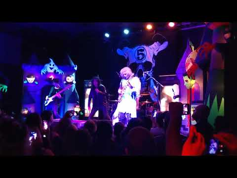 Lunchbox - Alice Cooper Joins John 5 Onstage