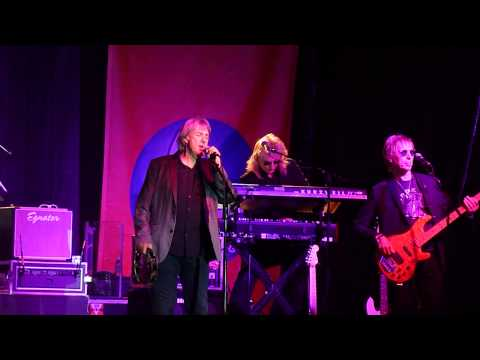 Three Dog Night- The Family of Man (Opening), Live Concert