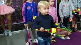 Юный теннисист берет урок у Стефана Бойича / Stefan Bojic kids master class