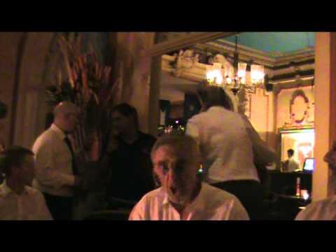 On Ilkley moor bah tat in an Eckernfoerder Hotel
