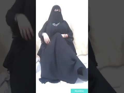 Kapalıyım diye gezip orosbuyum diye göt sallayan türk kızı