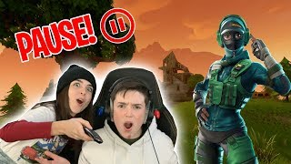 PAUSE CHALLENGE with MY SISTER!! - Fortnite Edition