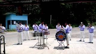 Banda coronita ensayando