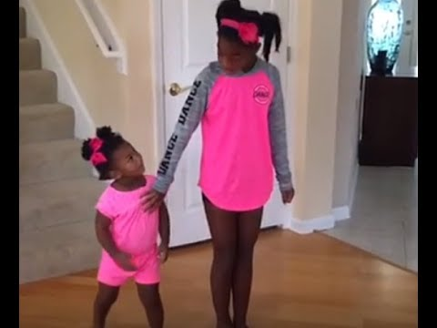 Girl wants solo dance, but baby sister steals the show!Kaynak: YouTube · Süre: 1 dakika3 saniye