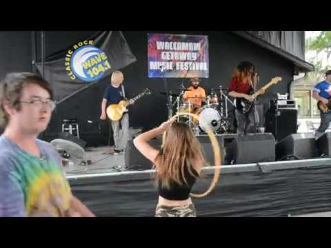"Hip Gypsy Performs ""Proud Mary"" (cover) & ""Busted"" (original) w/Hoola Hoop Girl"