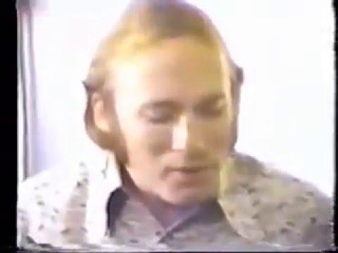 CSNY - Backstage Warm Up 1971
