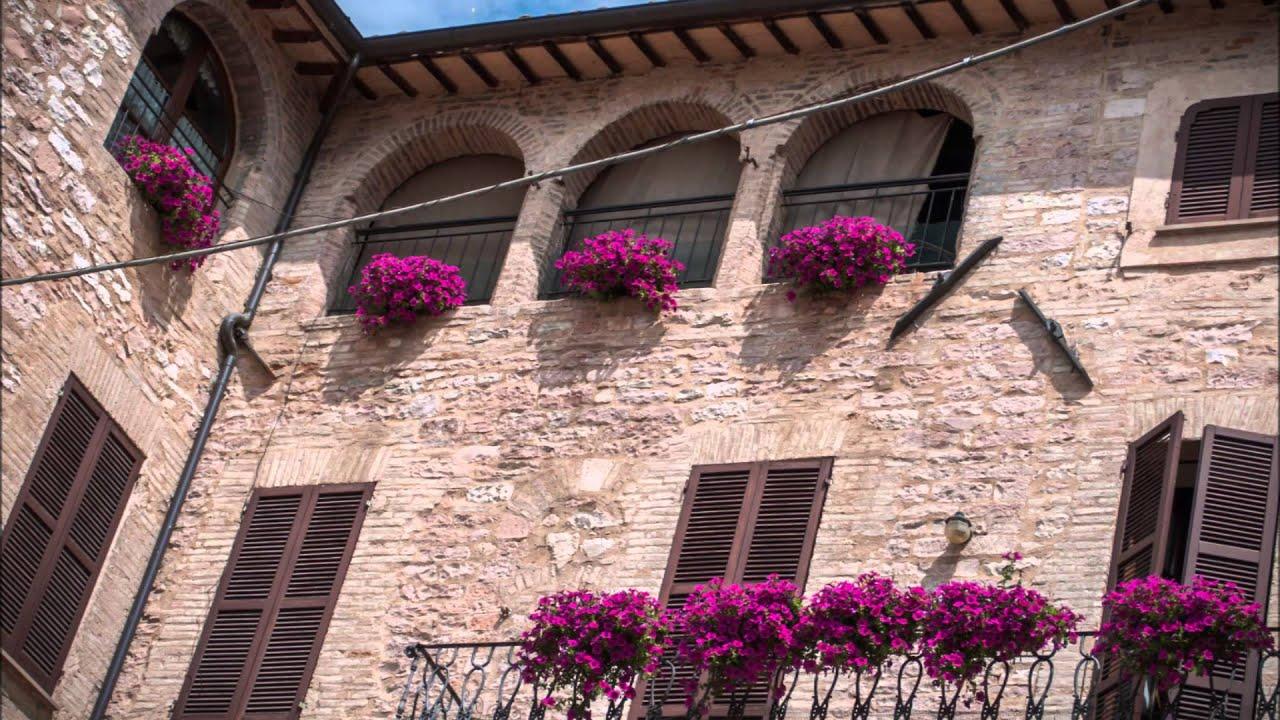 Finestre balconi e vicoli fioriti 2015 youtube - Finestre pensione 2015 ...