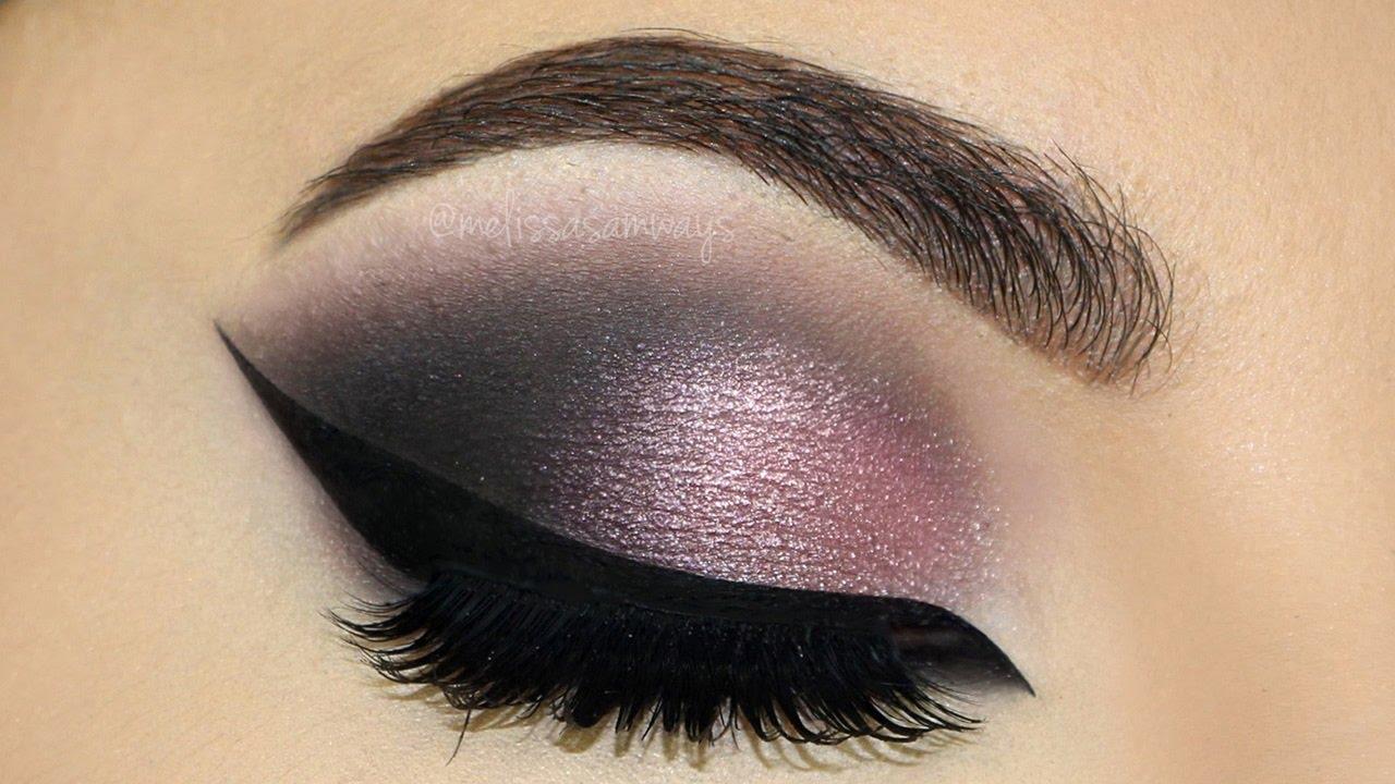 Lulus how-to: navy and plum smokey eyeshadow tutorial lulus. Com.