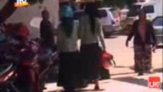 Repeat youtube video Video Aksi Kekerasan Dua Siswi SMA di Situbondo Dipicu Status Facebook