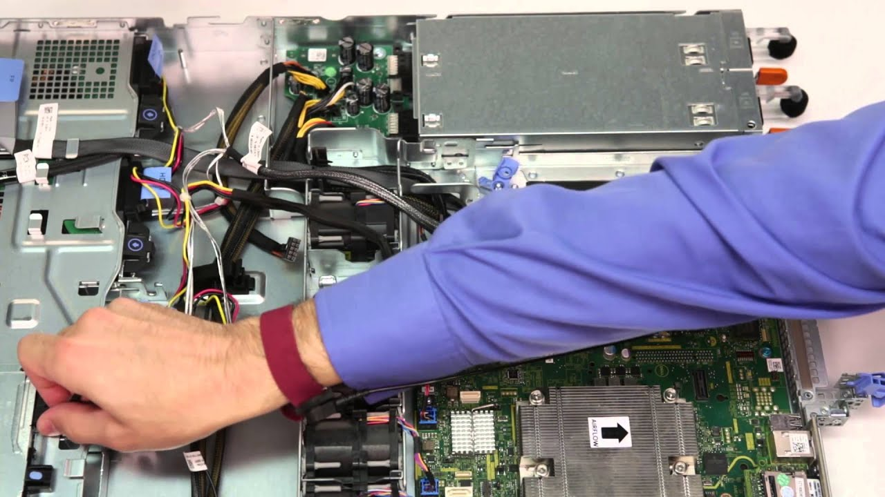 PowerEdge R330: Remove/Install Integrated Storage Controller