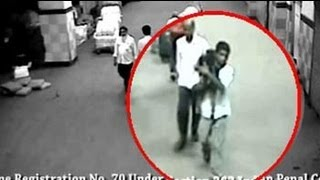 Child kidnapper caught on camera at Mumbai station