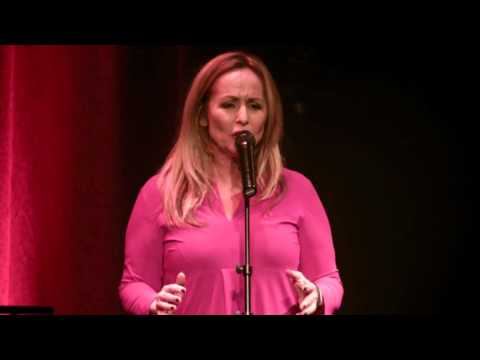 Angela Groothuizen - Theatervoorstelling Eeuwige Jeugd (volledig)