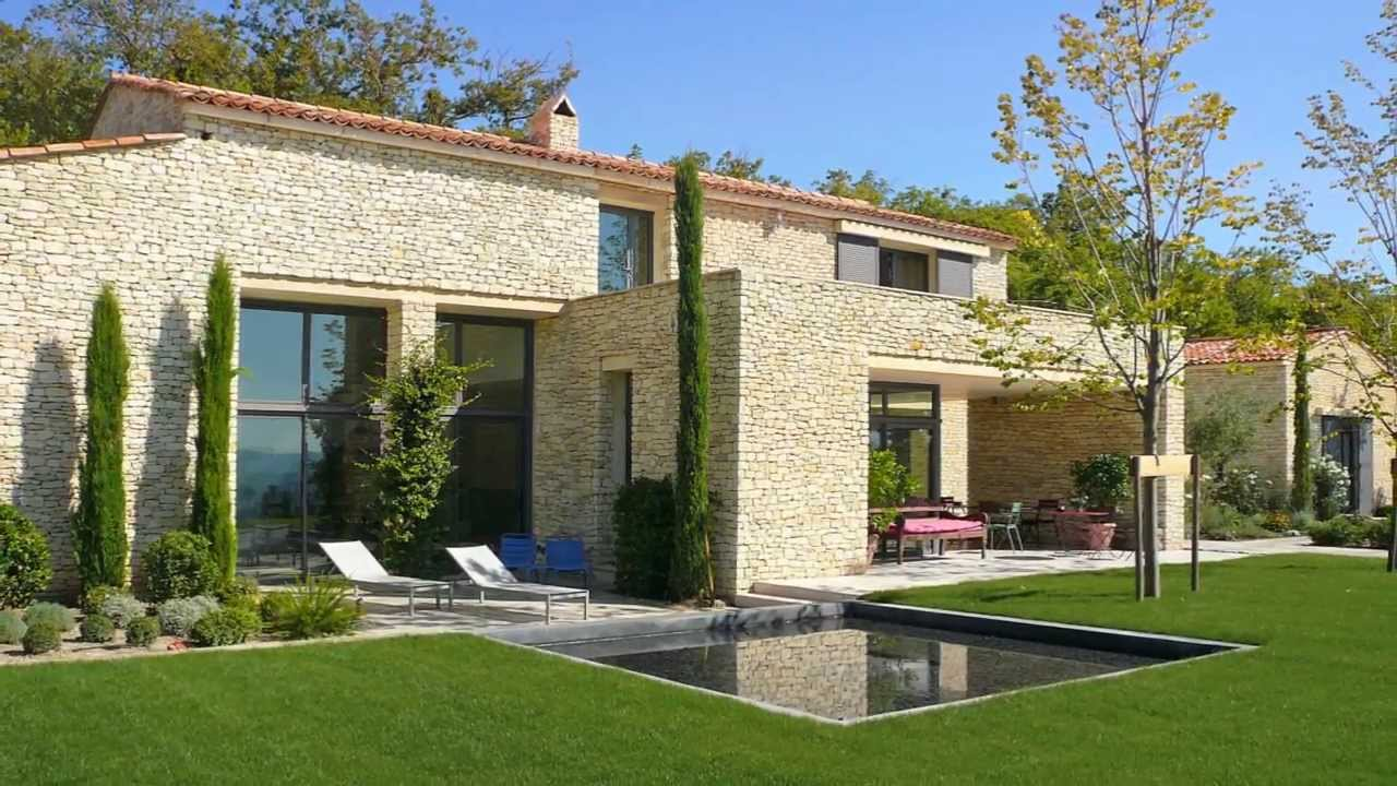 Gordes en provence maison de vacances contemporaine louer pour 15 personnes youtube for Maison moderne contemporaine