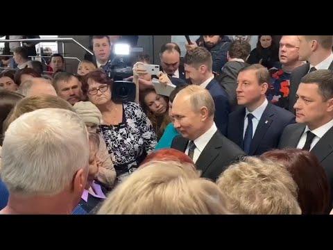 Президент пообщался с родственниками погибших псковских десантников