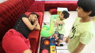 زياد والياس يلعبون بالالات الموسيقى !